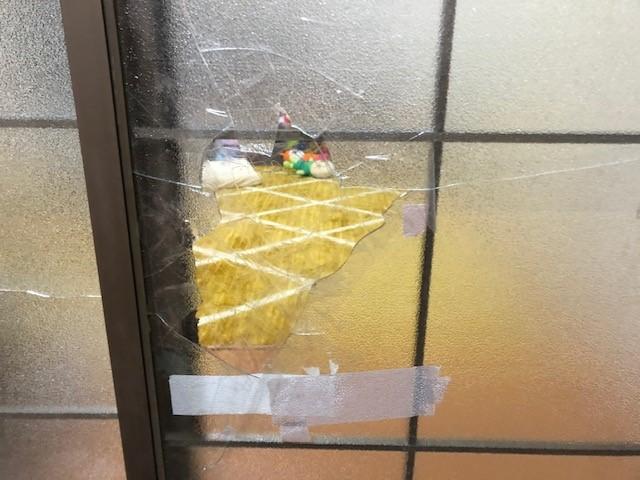 引き違い戸 ガラス交換作業前2