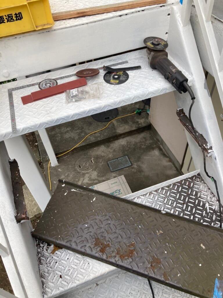 階段ステップの交換写真
